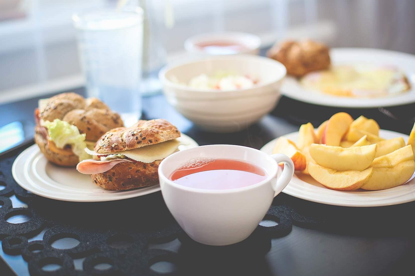 Diäten Frühstück Mittag- und Abendessen, um Gewicht zu verlieren